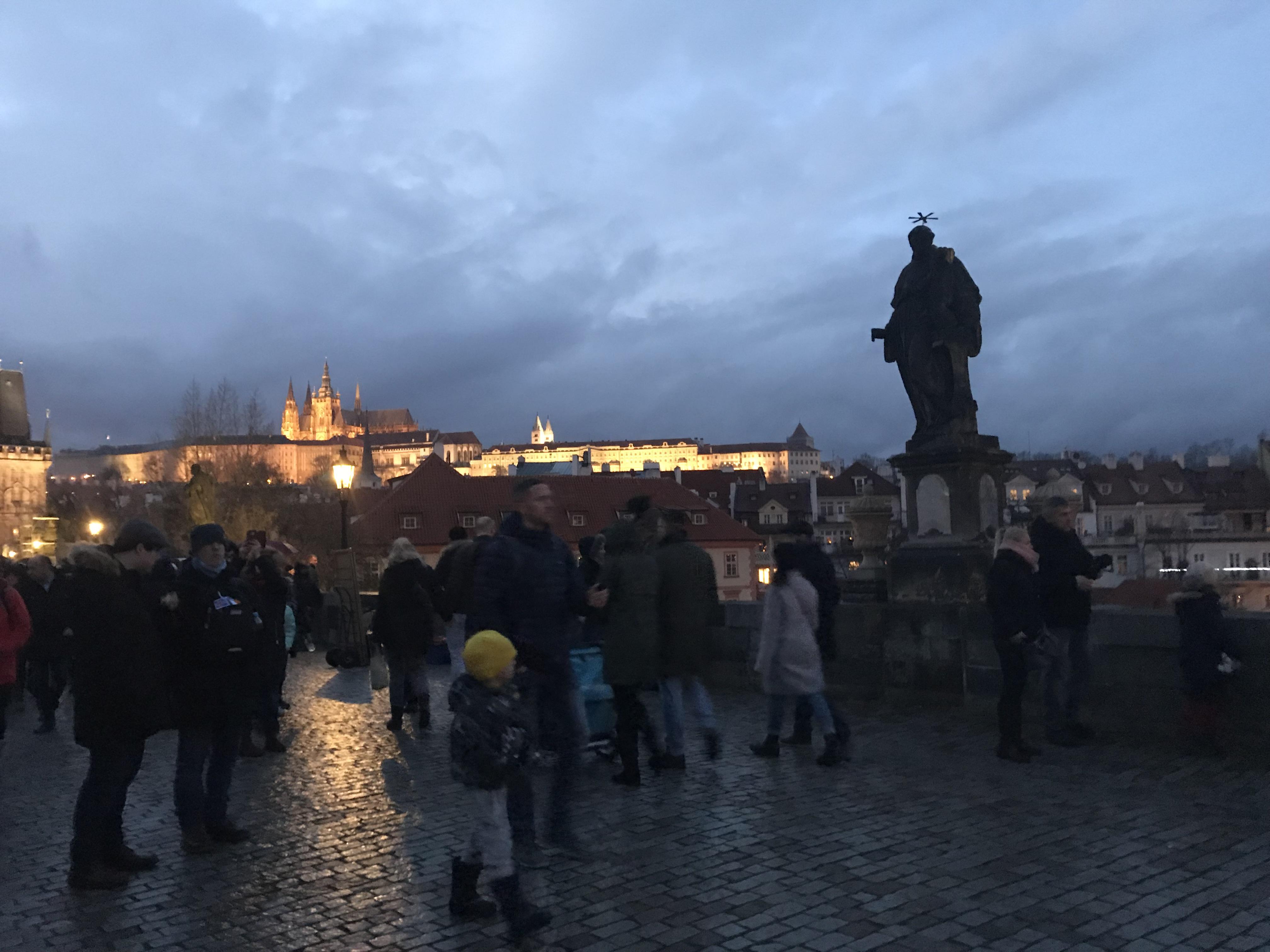 Vedo Le Luci Di Tutte Le Vetrine.Tutta La Magia Di Praga Wonderful Paths