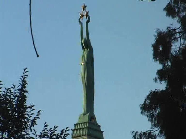 statua della libertà Riga